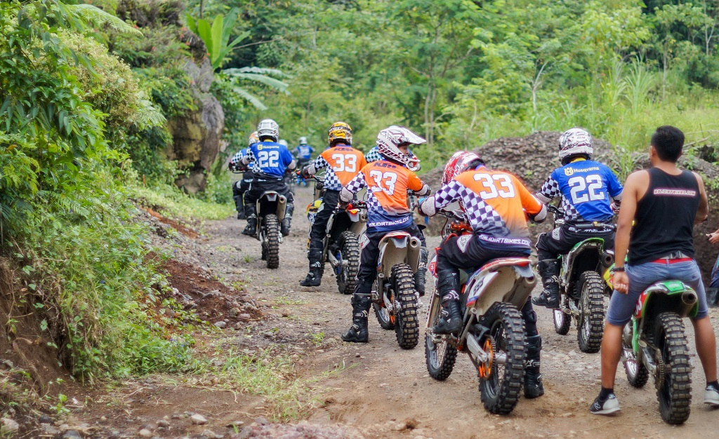 Gmedia Customer Gathering Fun Dirt Bikes 2017